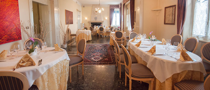 Hotel Villa Maria, Desenzano, Lake Garda, Italy - Dining room.jpg